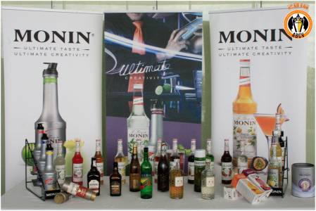 Stands-01---Monin